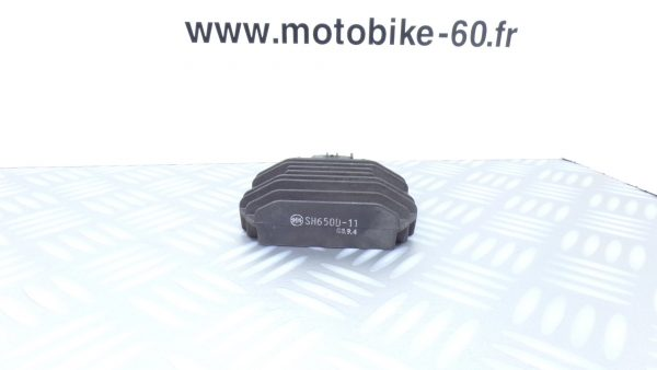Régulateur de tension Yamaha Xmax/MBK Skycruiser 125 ( ref: SH650D-11 )