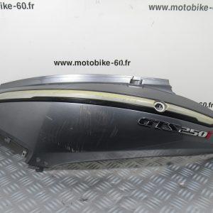 Carénage arrière gauche SYM GTS 250 I
