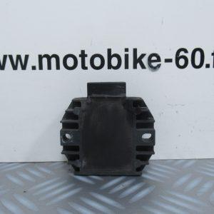 Regulateur de tension Piaggio X8 125 cc