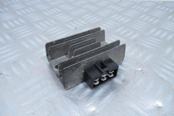 Regulateur de tension Piaggio X9 125