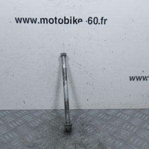 Axe roue arriere Yamaha Piwi 80 cc