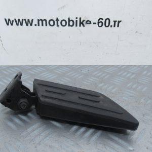 Repose pied droit Peugeot Kisbee 50