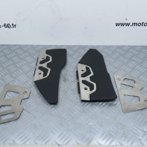 Tapis marche pied avec protection inox  BMW SPORT C 600  ( droite: 4663 7725134 / gauche: 4663 7725133 )