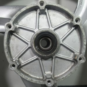 Roue avant (vendu dans letat) Honda Deauville 650 4t (120/70ZR17)