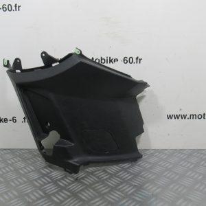 Carénage sous selle droit Peugeot Kisbee 50 cc  ref: 2000634500 – 1177918000