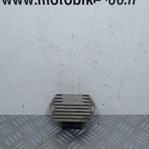 Regulateur de tension Piaggio Vespa LX 50 cc (ref: 640789)