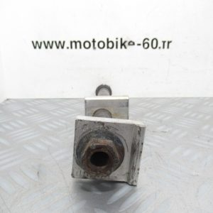 Axe roue arriere Yamaha YZ 125 2 temps