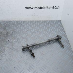 Axe roue arriere Honda CR 85