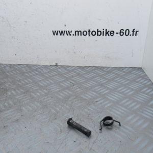 Axe + ressort repose pied gauche Yamaha FZ6 600